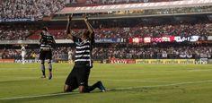 Corinthians aproveita chances, vence São Paulo e fica perto da final - Futebol - UOL Esporte