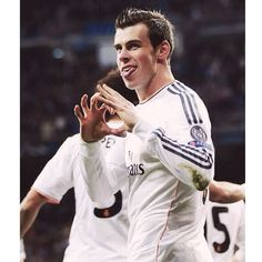 Gareth Bale Real Madrid Soccer Guys, Soccer Stuff, Garet Bale, Go Brazil, Bale Real, Real Madrid, Chef Jackets, Football, Sports