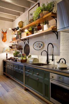 Loft Kitchen, Apartment Kitchen, Home Decor Kitchen, Rustic Kitchen, Vintage Kitchen, Home Kitchens, Home Room Design, Interior Design Kitchen, Cuisines Design