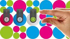 The MP3 player is small, round and chic – much as its name implies. It is equipped with a built-in clip and comes in a range of exciting colors. It can be worn on your bag or clothes, like a fashion accessory, all ready to be called upon when needed.