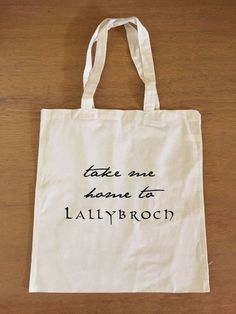 Showcase your Outlander love with this tote bag inspired by the Outlander series.