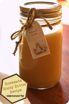 Homemade Honey Butter Recipe - So EASY! Just Melt 1 cup sugar, 1 cup heavy cream, 1 cup honey + pour over 3 sticks butter. Mix & add to a jar. Homemade Honey Butter Recipe, Flavored Butter, Honey Recipes, Fruit Butter Recipe, Food Storage, Do It Yourself Food, Salsa Dulce, Jam And Jelly, Sweet Sauce