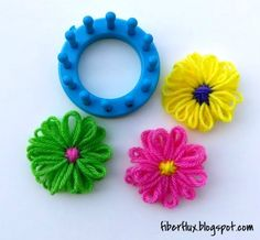 Learn how to make a loom flower with this easy tutorial! Full photo tutorial here: http://fiberflux.blogspot.com/2014/03/how-to-make-loom-flower.html Visit t...
