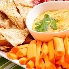 Enjoy this awesome & healthy Roasted Sweet Potato Hummus Dip Healthy Pregnancy Snacks, Healthy Summer Snacks, Healthy Hummus, Healthy Chicken, Hummus Dip, Hummus Recipe, Clean Eating, Healthy Eating, Carrot Recipes