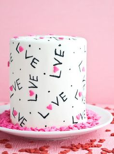 100 Sweet Decoration Cake and Cookies for Valentines Day Ideas 67 1 Valentines Baking, Valentines Day Cakes, Valentine Desserts, Valentine Cookies, Pretty Cakes, Cute Cakes, Yummy Cakes, Beautiful Cakes, Fondant Cakes