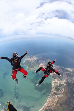 Skydive Búzios (Brasil) by Rick Neves, via Flickr