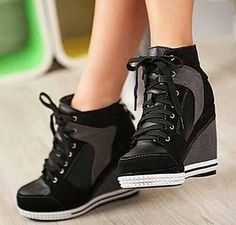 heel wedge tennis shoes, tried a pair on at Kohls and want some now! nike shoes More Dream Shoes, Crazy Shoes, Cute Shoes, Me Too Shoes, Trendy Shoes, Sneakers Fashion, Fashion Shoes, Mens Fashion, Fashion Outfits