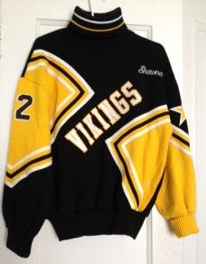 Vintage Cheerleader Sweater - Vikings Varsity Black and Yellow Zig Zag Chevron Print! #Cheerleader #Halloween