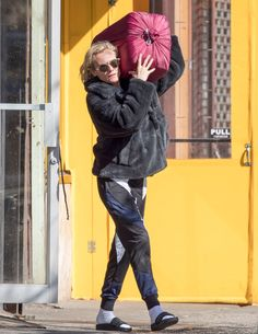 LAUNDRY DAY      Even Diane Kruger needs to go pick up her laundry! The actress steps out in N.Y.C. on Wednesday for the chore.  Star Tracks: Monday, March 6, 2017