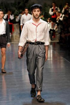 Dolce & Gabbana Collection Men Fashion Show Spring Summer 2013 - Runaway FotoGallery and Video. Men Fashion Show, Mens Fashion, Exclusive Clothing, Well Dressed Men, Parachute Pants, Menswear, Spring Summer, Elegant, Primavera Estate