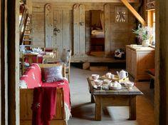 Salon maison-village à la montagne