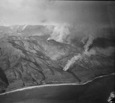 Brush fire in Malibu, 1930s. Photo tweeted by Shelby Grad, LA Times. Nicholas Canyon and Nicholas Canyon Beach at center, Decker beyond.