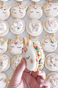 These Unicorn Macarons are possibly even more magical! // gluten free desserts // mystical animal // macaroons // character macarons // french dessert Food and Drinks Unicorn Birthday Parties, Unicorn Party, Rainbow Unicorn, Birthday Cake, Unicorn Land, Birthday Ideas, Unicorn Donut, Unicorn Wedding, Unicorn Baby Shower
