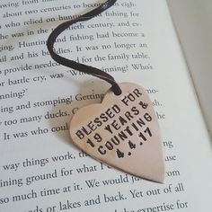 Our personalized bookmarks make ♡HAPPY ANNIVERSARY♡ gifts for book lovers!