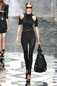 Gucci Spring 2010 Runway - Gucci Ready-To-Wear Collection