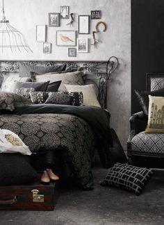 Home home design room design design Bedroom Themes, Bedroom Styles, Bedroom Decor, Bedroom Ideas, Queen Bed Quilts, Halloween Bedroom, Halloween 2, Comfy Bed, My New Room