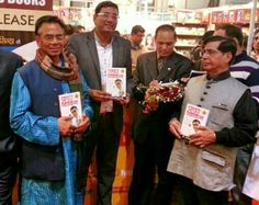 International speaker Dr. Ujjwal Patni with Famous poet Shri Ashok Chakradhar, Tax Guru Subhash Lakhotia and Chairman of Diamond Books, Shri N.K. Verma