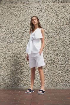 Victoria, Victoria Beckham Spring 2017 Ready-to-Wear Collection Photos - Vogue