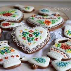 Adina – medovníky – Dekoratívne a umelecké ručne zdobené medovníky Sugar, Cookies, Desserts, Christmas, Food, Crack Crackers, Tailgate Desserts, Xmas, Deserts