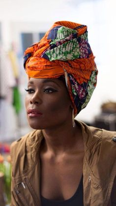 We love the versatility that a turban or head wrap gives especially when it comes to our hair. See 16 ways how to wear a turban this summer. Ghanaian Fashion, African Fashion, Nigerian Fashion, African Style, African Dresses For Women, African Women, African Shop, Estilo Hippie, African Head Wraps
