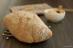 il pane casereccio di Bonci, realizzato con parte di farina integrale e parte di farina tipo 0, una lunga lievitazione e la magia è fatta!