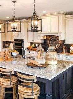 Painting Kitchen Cabinets Ideas Uk and Pics of Pneumatic Sprayer Kitchen Cabinets. Tip # 35675433 Country Kitchen Island, Farmhouse Kitchen Lighting, Modern Kitchen Lighting, Kitchen Island Lighting, Farmhouse Style Kitchen, Rustic Lighting, Lighting Ideas, Farmhouse Kitchens, Kitchen Islands