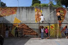 day 12 _ we went to Bairro das Nogueiras for a participative mural with the locals. Teixoso (Covilhã)    photo by Pedro Seixo Rodrigues