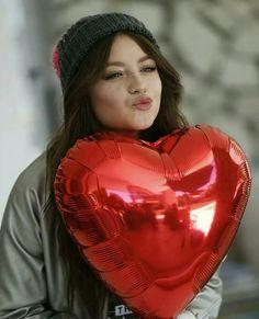 Karol Disney Channel, Sou Luna Disney, Photo Star, Zhao Li Ying, Cute Baby Videos, Sofia Carson, Son Luna, Disney Stars, Dove Cameron