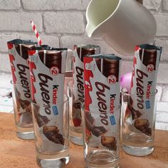 2 super popsicle ideas - Kinder Bueno Popsicle and Oreo Popsicle! Kinder Bueno Recipes, Yummy Food, Tasty, Cream Recipes, Creative Food, Diy Food, Popsicles, Food Hacks, Food Videos