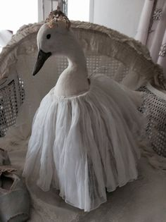 Vintage taxidermy huge snow-white duck duck oie by Chambredecoeur