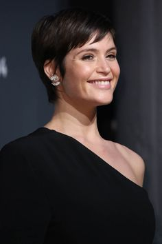 Gemma Arterton shows off new cropped hairdo on Graham Norton show     Gemma Arterton s short hair and one shoulder