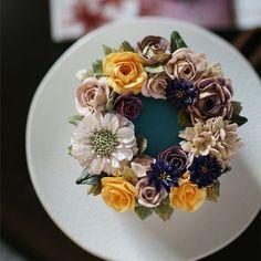 Buttercream flower cake.. sweet pea  #버터크림플라워케익 #버터크림 #케이크 #베로니카 #버터크림케이크 #버터크림플라워 #장미 #수국 #키스더케이크#스위트피 #스카비오사 #buttercream #baking #edible  #rose #roses #kissthecake  #cake #cakes #buttercreamflowers #flowers #flower #kissthecake #sweetpea #scabiosa #hydrangea