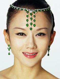 终身不孕 孔雀公主杨丽萍鲜为人知的婚姻(组图)   www.wenxuecity.com
