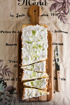 This is the way to cut pieces in a tart pan..... how come Ii did not know?!   Lime and Coconut Cream Tart