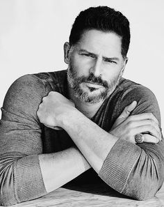 Sporting a John Varvatos henley, Joe Manganiello covers the April 2017 issue of Ocean Drive. Photographer John Russo comes together with stylist Wyman Chang for… Joe Manganiello, Muscle Fitness, Fitness Tips, The Fashionisto, Women's Henley, Ocean Drive, Sofia Vergara, John Varvatos, Jason Momoa