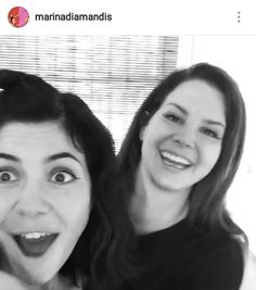 İ C O N İ C OMG WHEN DID THIS HAPPEN? OMG THE QUEENS ARE TOGETHER !!!! :D