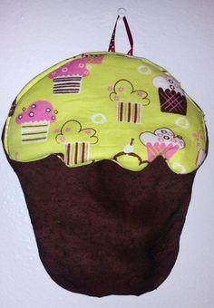 Cupcake Potholder, potholders, fabric potholder, handmade potholder, kitchen decor, kitchen gift