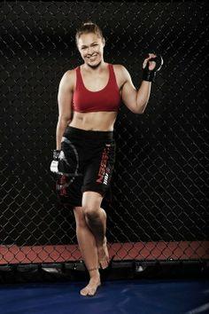 2008 Olympic Judo Bronze medalist and Strikeforce Bantamweight Champion Ronda Rousey Ronda Rousey Hot, Ronda Jean Rousey, Ronda Rousy, Divas Wwe, Rowdy Ronda, Catch, Ufc Women, My Champion, Ufc Fighters