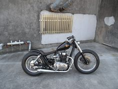 Yamaha XS 650 swingarm custom with Triumph-style fork covers by Brat Style