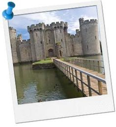 """Cross the Moat Game: One player is the dragon guarding the moat, the rest try to cross but if they're caught, they become part of the dragon's """"tail! Medieval Games, Medieval Party, Magic Birthday, Birthday Ideas, Knights And Castles Topic, Meeting Games, Lego Knights, Knight Party, Magic Treehouse"""