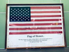 9/11: gone but not forgotten  Miami Airport: Flag of Honor  All'aeroporto di Miami, Florida, è esposta la Bandiera dell'Onore, che riporta i nomi di tutte le vittime dell'attentato terroristico dell'undici Settembre. #Nonsidimentica  Impara l'inglese con Monica