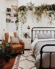 Room Ideas Bedroom, Decor Room, Home Decor Bedroom, Modern Bedroom, Contemporary Bedroom, Eclectic Bedroom Decor, Bedroom Furniture, Earthy Bedroom, Wall Decor