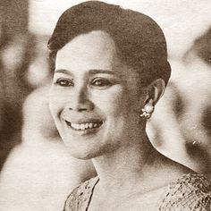 Her Majesty Queen Sirikit Of Thailand, Long Live The Queen. King Rama 9, Queen Sirikit, King Queen, Thailand, Statue, Long Live, Royals, Instagram, Royalty