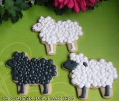 Cute sheep cookies. Time consuming...but perfect for an Easter party if you only make a few, with Easter egg cookies and bunnies :)