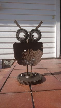 Metal art owl