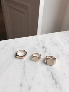 These rings are handmade by the designer herself in her Portland, OR studio. * MEDIUM THICK RINGS * These medium thick rings mix together beautifully! Dainty Jewelry, Cute Jewelry, Gold Jewelry, Jewelry Rings, Jewelery, Diamond Jewelry, Accesorios Casual, Custom Wedding Rings, Gold Set