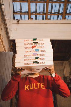 SKATE & PIZZA 🍕 on Behance Pizza Branding, Food Branding, Packaging Design, Branding Design, Project Red, York Restaurants, Foto Instagram, Skate, Food Photography