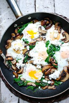 Sautéed mushrooms and wilted, garlicky spinach are the perfect (and quickest) accompaniments to eggs with a runny yolk. Sautéed mushrooms and wilted, garlicky spinach are the perfect (and quickest) accompaniments to eggs with a runny yolk. Healthy Meal Prep, Healthy Breakfast Recipes, Brunch Recipes, Healthy Snacks, Vegetarian Recipes, Healthy Eating, Cooking Recipes, Skillet Recipes, Vegetarian Brunch