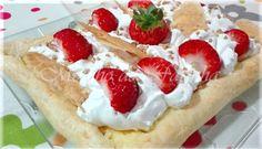 Moinho De Farinha: Tarte folhada com creme, natas e morangos