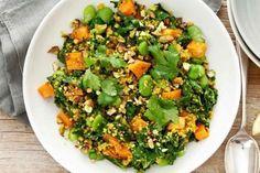 Zucchini slice New Recipes, Salad Recipes, Easy Poached Eggs, Healthy Spring Recipes, Quinoa Pilaf, Super Greens, Perfect Breakfast, Pudding Recipes, Pork Belly